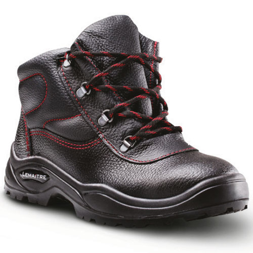 maximus safety boot with black and red laces